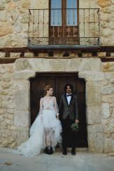 Fotografía: The Ro Studio Wedding Planner: Alexia Gil Estilista: Aurora Silva MUAH: Laura Cazorla Modelos: Marianna Hap y Diego Obrador Lettering: Sophie Lettering