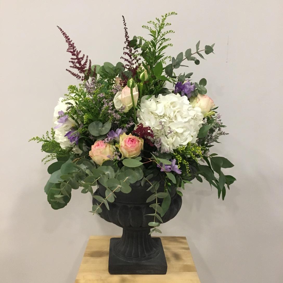 Copa con Flores de temporada