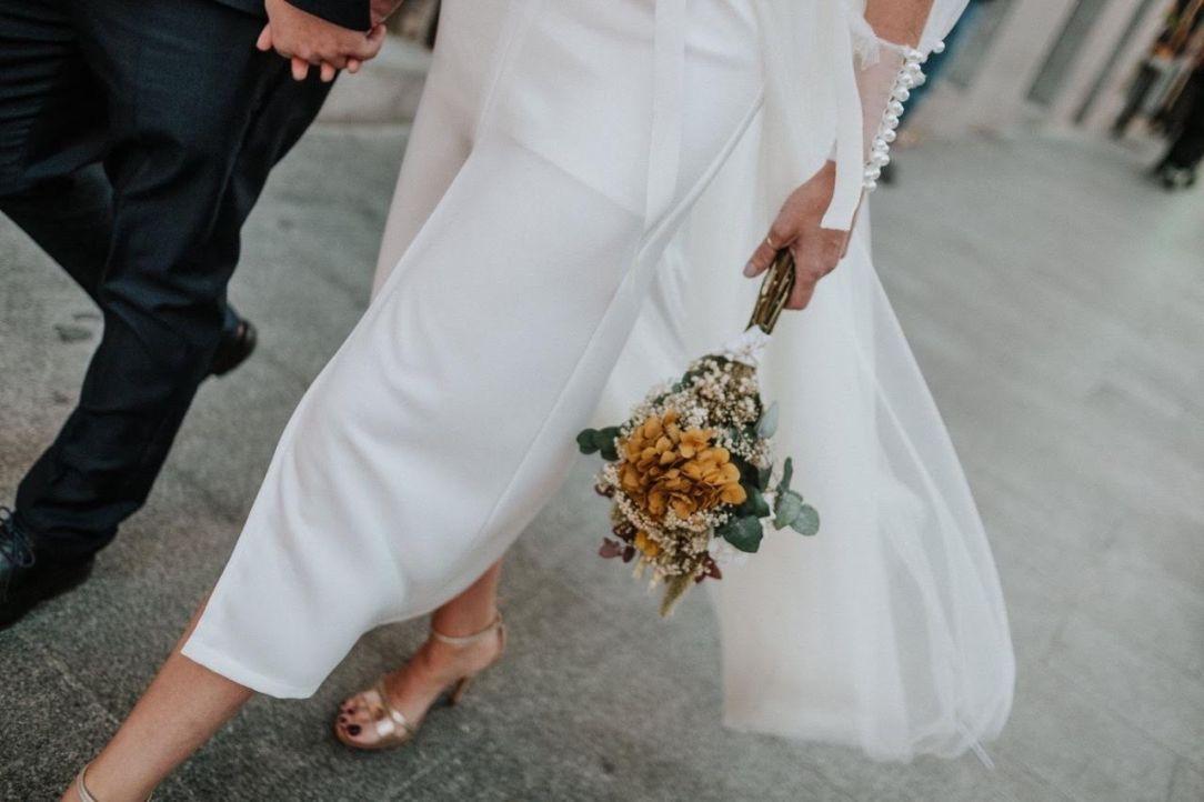 Fotografía: Carey Nash Wedding Planner: Alexia Gil MUAH: Make Up like a Star Vestido: Angela Pedregal Modelos: Eshter Byl y Ac Llorente